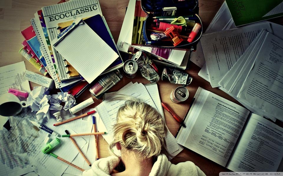 girl_studying-wallpaper-960x600